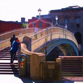 Ha´penny-bridge-dublin-4