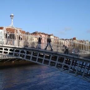 Ha'penny-Bridge-dublin-1