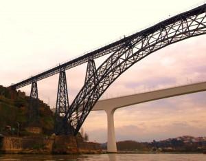 Puente María Pía Oporto