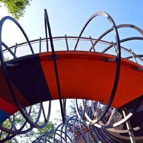 Pasarela-Slinky-Springs-to-Fame-2