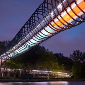 Pasarela-Slinky-Springs-to-Fame-3