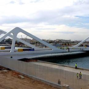 Puente giratorio del puerto de Valencia