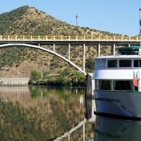 Puente Almirante Sarmento Rodrigues (fotografía: Samuel Santos)