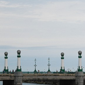 Puente de la Zurriola