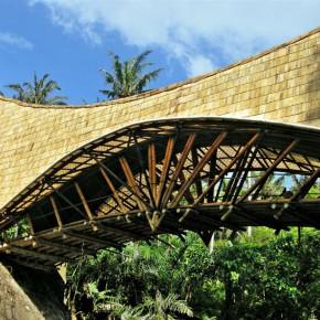 Time lapse del puente del Milenio, en Bali