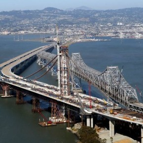 Time-lapse de la construcción del puente Bay Bridge, en San Francisco