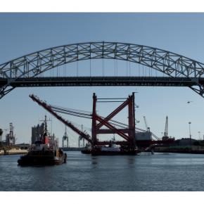 Vídeo de la construcción del puente Gerald Desmond, en California